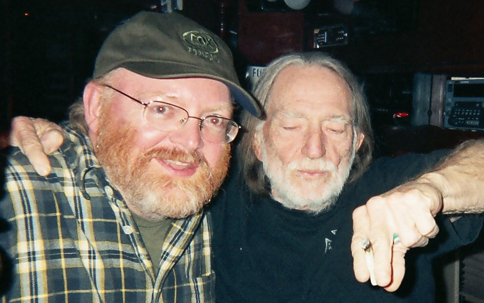 Randy Poe & Willie Nelson smokin' a little something from that pound and a half bag.